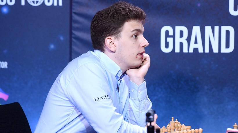 PŚ w szachach: Duda pokonał Carlsena w dogrywce i awansował do turnieju kandydatów