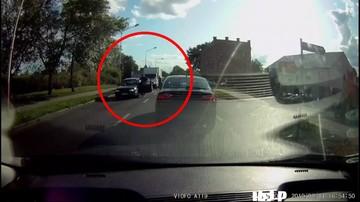 Zaatakował auto innego kierowcy metalowym prętem. Poszło o... kobietę