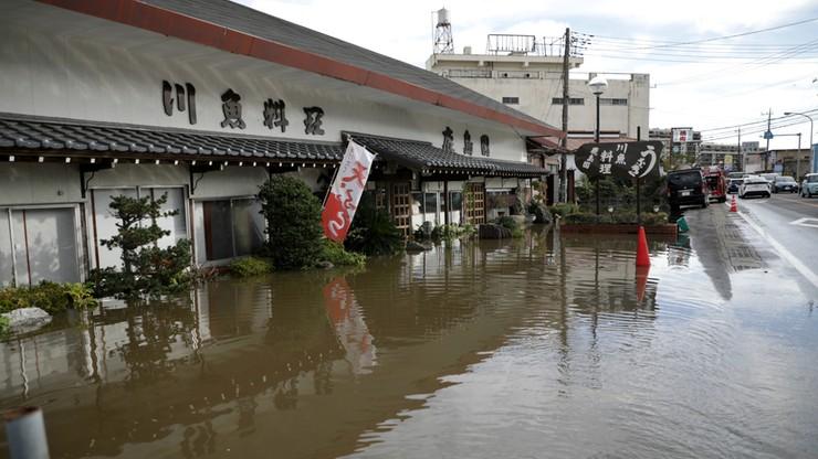 Japonia: osiem ofiar śmiertelnych ulew, powodzi i lawin błotnych