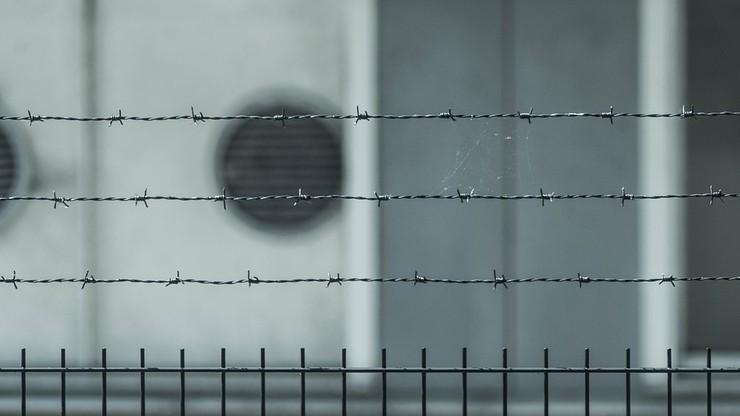 """""""Za śmierć Polaka odpowiadają brytyjskie władze"""". """"Observer"""" o samobójstwie Marcina G. w ośrodku deportacyjnym"""
