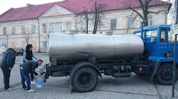 Olkusz: 50 tys. mieszkańców nie ma wody pitnej w kranach. Ujęcie wody skażone przez bakterie E - coli