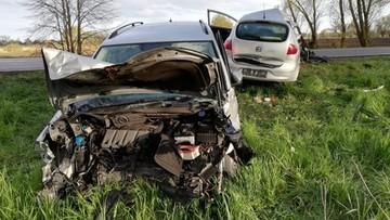 Warmińsko-mazurskie. Zderzenie dwóch aut. Nie żyje kierowca, są ranni