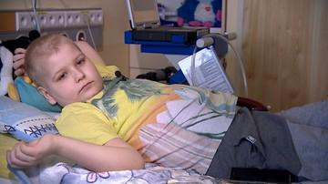 """Kacper od 15 miesięcy leży w szpitalu. Czeka na nowe serce. """"Najtrudniejsze jest, gdy płacze, bojąc się, że umrze"""""""