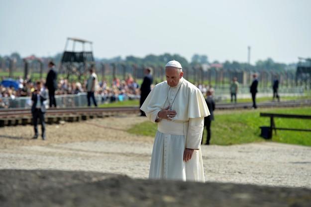 Papież Franciszek odwiedził były obóz Auschwitz-Birkenau