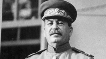 """Rosjanie o Stalinie: """"okrutny tyran"""", ale też """"mądry przywódca"""""""