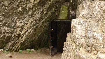 Trudne warunki pogodowe w Tatrach. Podtopione szlaki, zalana jaskinia Mroźna