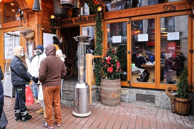 Otwarta restauracja na Krupówkach