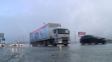 Ukraiński rząd wstrzymał ruch rosyjskich ciężarówek. Kreml: to bezprawie