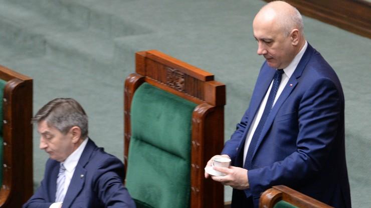 """""""Regulamin Sejmu wymaga korekt, które uniemożliwią blokowanie mównicy"""" - Joachim Brudziński"""