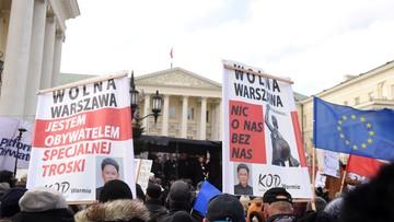 """""""Tu wolna jest Warszawa"""". Marsz KOD w stolicy"""