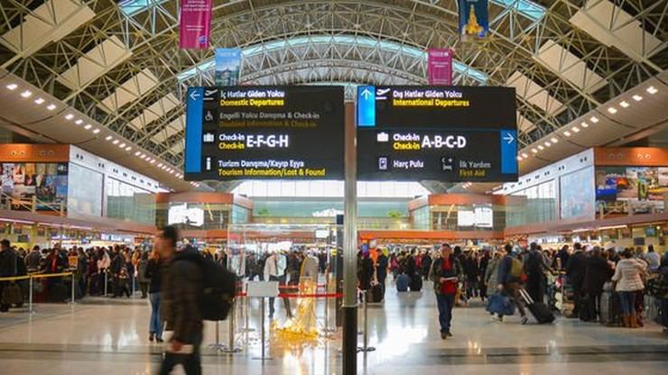 Awantura na lotnisku w Stambule. Pobili się kierowcy konkurujących ze sobą firm autokarowych