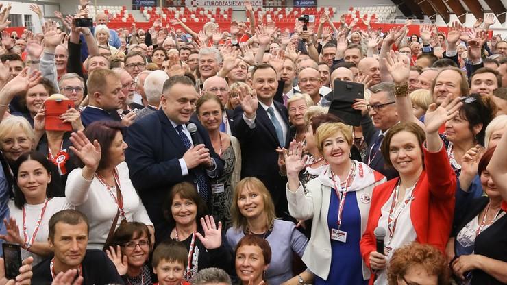 """""""To spotkania, po których rzeczywiście chce się służyć ojczyźnie"""". Prezydent na Zjeździe Klubów """"Gazety Polskiej"""""""