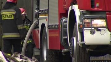 Spłonęły trzy autobusy na zajezdni w Krośnie. Pożar gasiło 11 zastępów straży pożarnej
