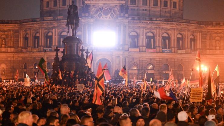 Zamieszki podczas antyimigranckich demonstracji w Dreźnie