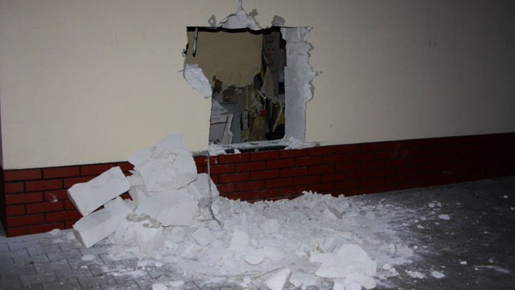 """Wybił dziurę w ścianie, żeby włamać się do sklepu. """"Policjanci nie dali mu żadnych szans"""""""