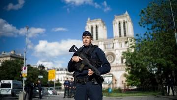 Zamachowiec sprzed Notre Dame pracował jako dziennikarz. Został nagrodzony przez KE