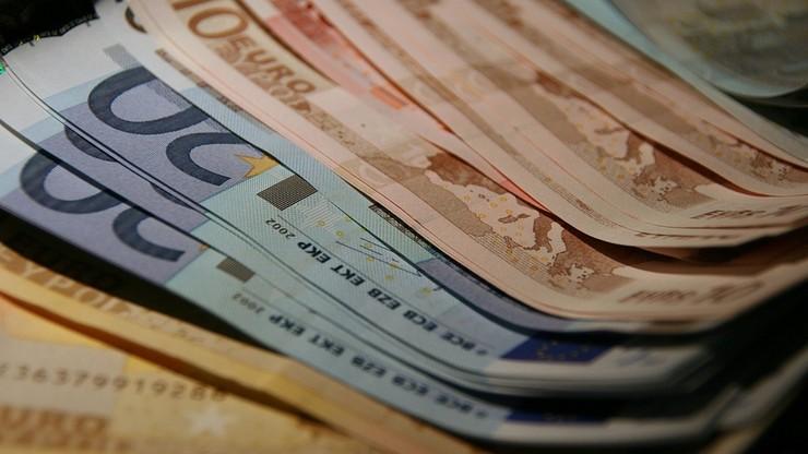 """""""FAZ"""": KE chce do 2025 roku wprowadzić euro we wszystkich krajach UE"""