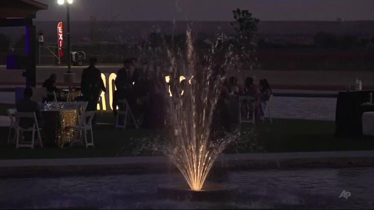 Stany Zjednoczone. Uczniowie sami zorganizowali bal. Przyszło prawie dwa tys. osób