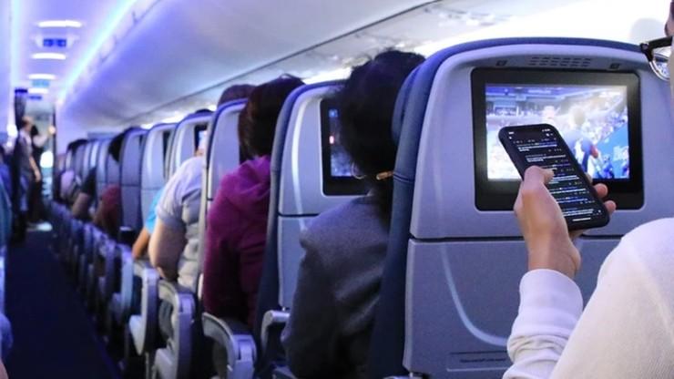 """10 mln mniej pasażerów w LOT. """"Efekt pandemii"""""""