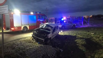 Śmiertelny wypadek na drodze S5. Kierowca wypadł przez okno pojazdu