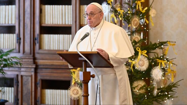 """Papież Franciszek modlił się za ofiary zamieszek w USA. """"Przemoc jest autodestrukcyjna"""""""