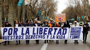Protest przeciwników restrykcji epidemicznych w Madrycie