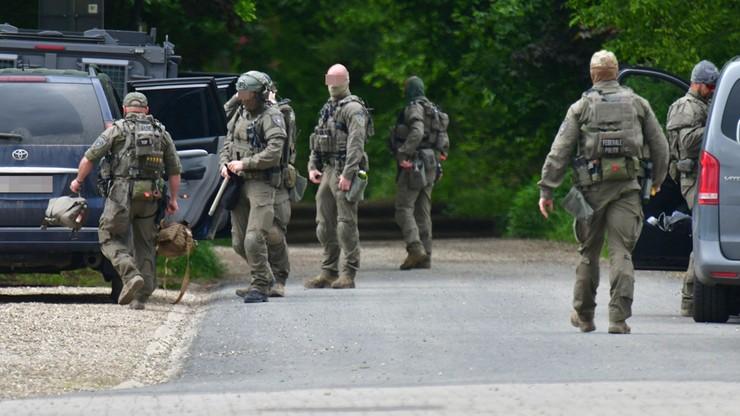 Belgijskie wojsko wspiera akcję poszukiwawczą uzbrojonego komandosa