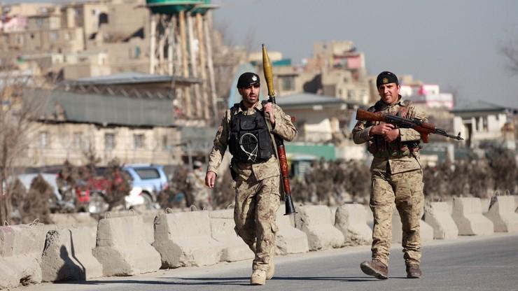 Afganistan: 10 zabitych w samobójczym zamachu w Kabulu