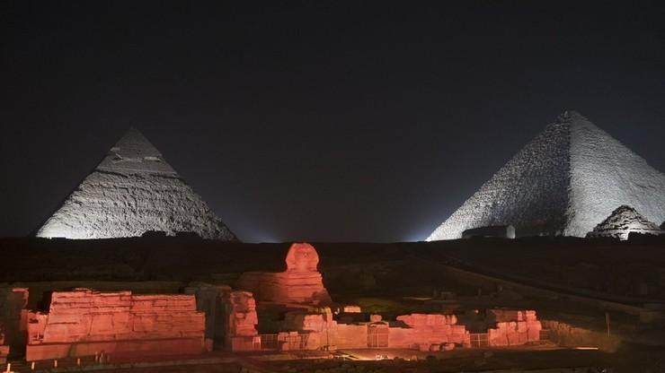 Biało-czerwone piramidy, wieżowiec w Dubaju, pomnik Jezusa w Brazylii. Świat uczcił rocznicę Polski