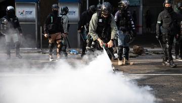 Hongkong. Mężczyzna oblany benzyną i podpalony [DRASTYCZNE WIDEO]