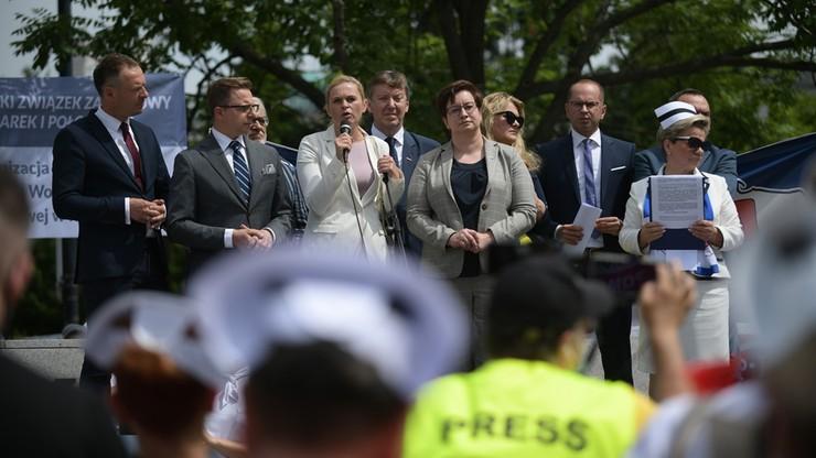 Protest pielęgniarek i położnych. Przewodnicząca OZZ PiP Krystyna Ptok zapowiada działania