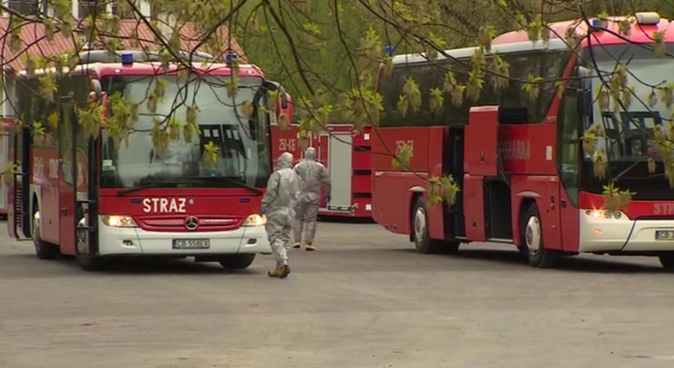 Koronawirus w warszawskiej szkole pożarniczej. Część podchorążych w drodze do innych jednostek