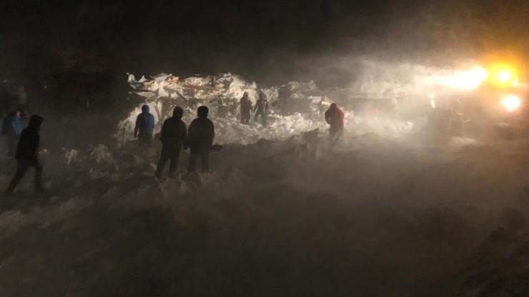 Lawina zeszła na ośrodek narciarski. Zginęły 3 osoby