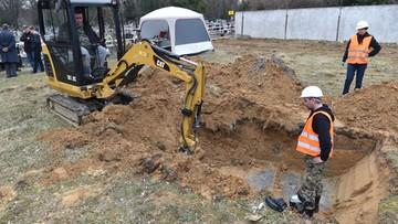 Ludzkie szczątki odnalezione na Cmentarzu Rakowickim. Dalsze prace przejmie IPN