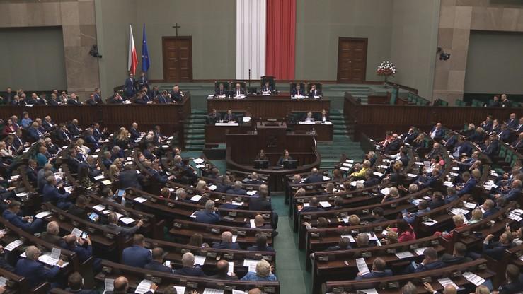 Sejm uchwalił ustawę ws. jawności majątku rodzin urzędników państwowych