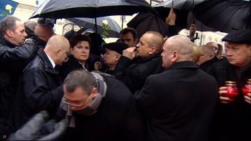 Bezpieczeństwo premier. BOR w trakcie przepychanek przed Pałacem Prezydenckim