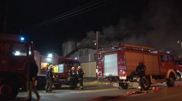 Pożar piekarni. Strażacy walczyli z ogniem przez ponad 9 godzin