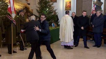 Premier Morawiecki uratował kombatanta AK przed upadkiem