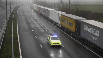 Wielka Brytania: wstrzymany transport, w sklepach może zabraknąć żywności