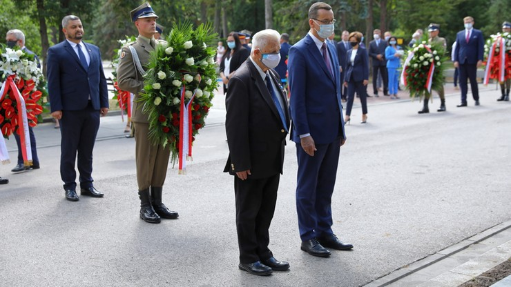 Premier złożył kwiaty na grobie śp. Jana Olszewskiego