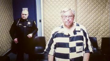 Wykorzystywanie nieletnich, posiadanie ecstasy i podawanie alkoholu. Aresztowano 71-letniego księdza