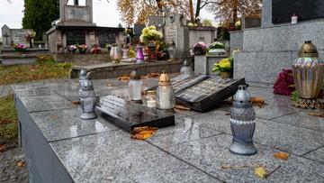 Tłumy na cmentarzach w Trójmieście. Tworzyły się korki