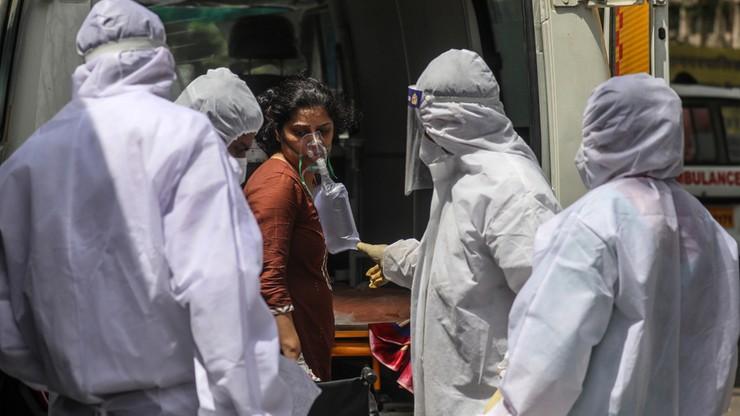 """""""Czegoś takiego świat chyba nie widział"""". Polka o pandemii COVID-19 w Indiach"""
