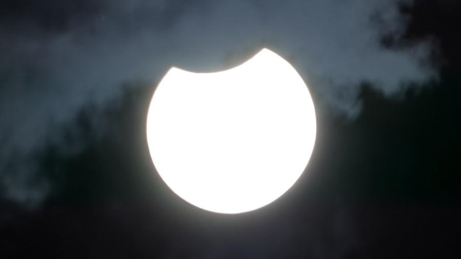 Tak wyglądała maksymalna faza zaćmienia Słońca w Polsce. Fot. TwojaPogoda.pl