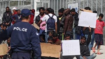 Przerwano deportacje z greckich wysp do Turcji. Migranci protestują na Lesbos