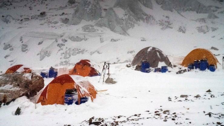 Wyprawa na K2: Polacy zostają na noc w obozie pierwszym