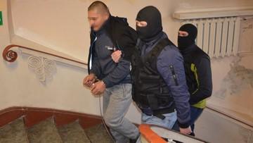 Ukrainiec zatrzymany w Medyce podejrzany ws. zabójstwa w Gdańsku. Wideo z policji