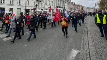 Pracownicy sądów, prokuratur, policji i skarbówki protestowali w Warszawie