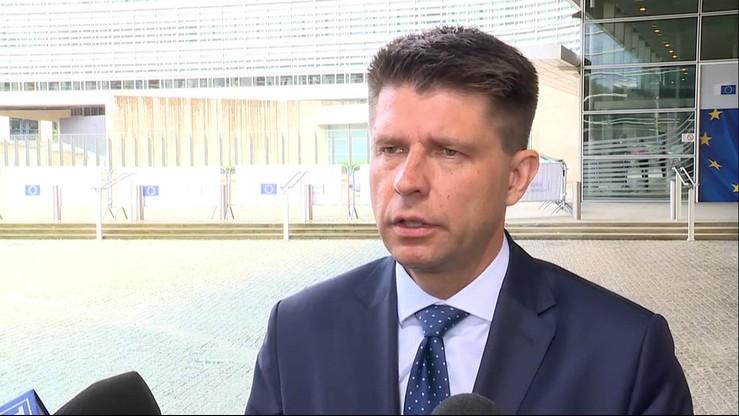 """""""Opinia KE nie jest tajna"""". Petru apeluje, by rząd ujawnił dokument Komisji"""