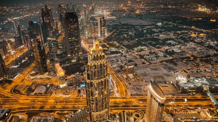 By walczyć z falą upałów, Dubaj tworzy sztuczny deszcz